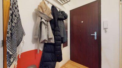 1-izbovy-byt-s-velkym-balkonom-na-predaj-02032021_180204