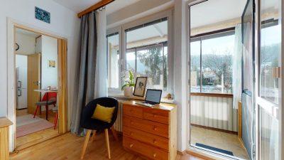 1-izbovy-byt-s-velkym-balkonom-na-predaj-02032021_180508