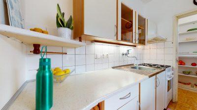 1-izbovy-byt-s-velkym-balkonom-na-predaj-02032021_180639