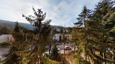 1-izbovy-byt-s-velkym-balkonom-na-predaj-02032021_181109