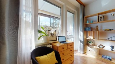 1-izbovy-byt-s-velkym-balkonom-na-predaj-02032021_181259