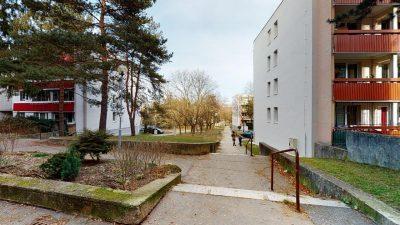 1-izbovy-byt-s-velkym-balkonom-na-predaj-02032021_182556