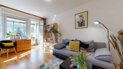 1-izbovy-byt-s-velkym-balkonom-na-predaj-02032021_183401