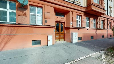 Velky-3-izbovy-byt-v-sirsom-centre-Bratislavy-na-predaj-03022020_130942
