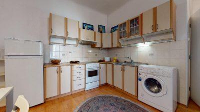 Velky-3-izbovy-byt-v-sirsom-centre-Bratislavy-na-predaj-03022020_134340