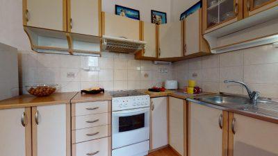 Velky-3-izbovy-byt-v-sirsom-centre-Bratislavy-na-predaj-03022020_134709