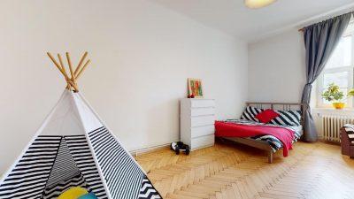 Velky-3-izbovy-byt-v-sirsom-centre-Bratislavy-na-predaj-03022020_135311