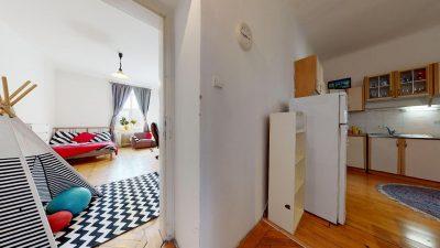 Velky-3-izbovy-byt-v-sirsom-centre-Bratislavy-na-predaj-03022020_140350