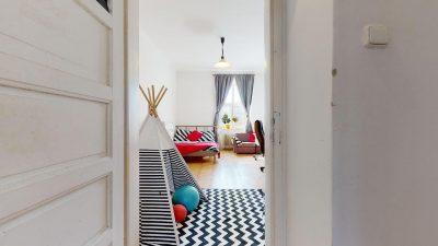 Velky-3-izbovy-byt-v-sirsom-centre-Bratislavy-na-predaj-03022020_140433
