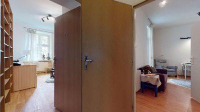 Velky-3-izbovy-byt-v-sirsom-centre-Bratislavy-na-predaj-03022020_140840