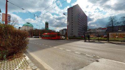 Velky-3-izbovy-byt-v-sirsom-centre-Bratislavy-na-predaj-03022020_143042