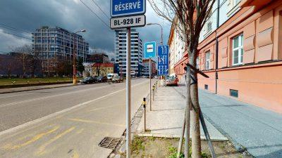 Velky-3-izbovy-byt-v-sirsom-centre-Bratislavy-na-predaj-03022020_143103