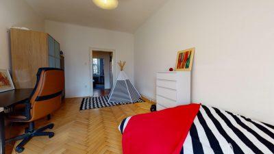 Velky-3-izbovy-byt-v-sirsom-centre-Bratislavy-na-predaj-03042020_183724